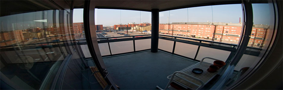 Frameless glazing of balconies